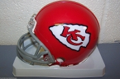 Kansas City Chiefs (63-73) Throwback Mini Helmet Riddell